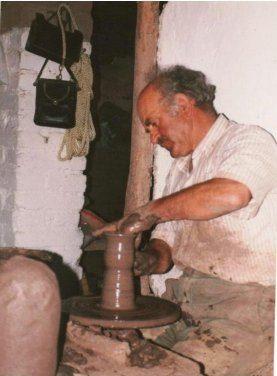 Der Töpfer von Filia, 1989. Foto U. Krasberg Μουσείο Φιλιά Λέσβου